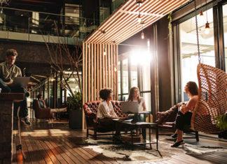 Panele winylowe idealne do biura – poznaj zalety tego rozwiązania