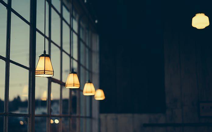 Lampy w stylu nowojorskim i hampton