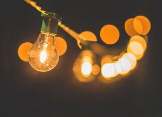 Jaką lampę wybrać do salonu